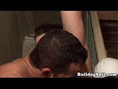 Contruction hunk cocksucked till cum on twink