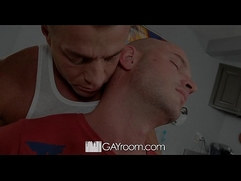 HD GayRoom Johnathan gets fucked hardcore massage by Tyler Saint