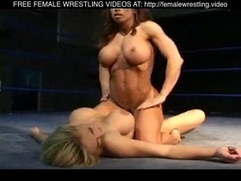 Very Hot Girls Wrestling
