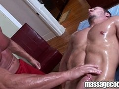 Massagecocks Muscular Anal Game